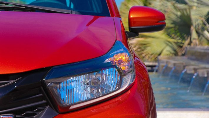 Đầu đèn của xe Honda Brio